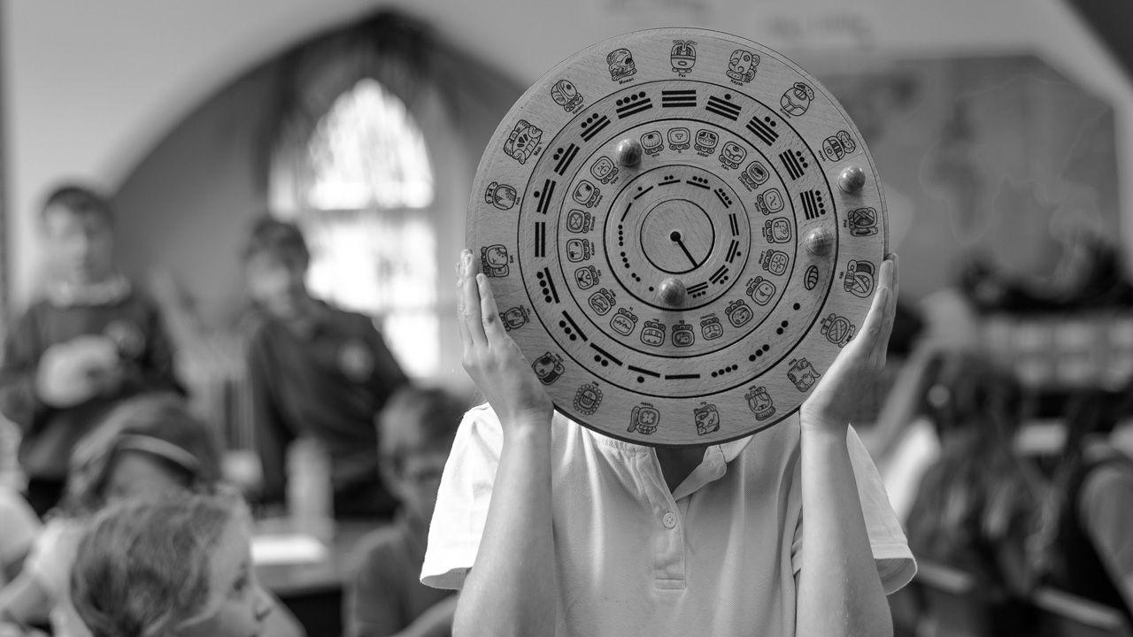 Make Your Own Maya Calendar (Ks2)! - Maya Archaeologist