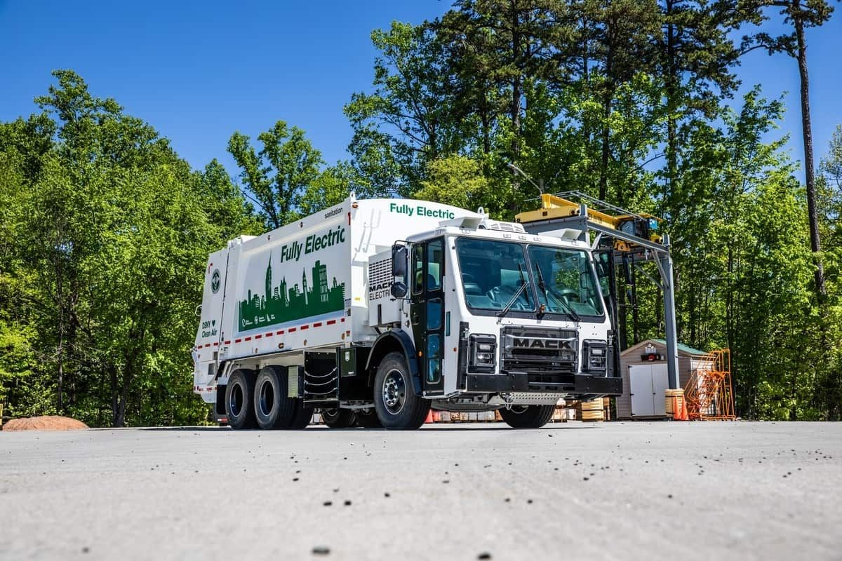 Mack Will Sell Electric Garbage Trucks In 2021 - Freightwaves